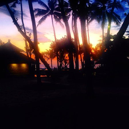 The Oberoi Bali: Sunset over the grounds