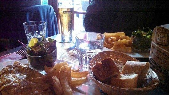 Le Garde Manger : attractive table