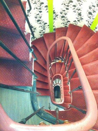 Plug-Inn Hostel : stairway