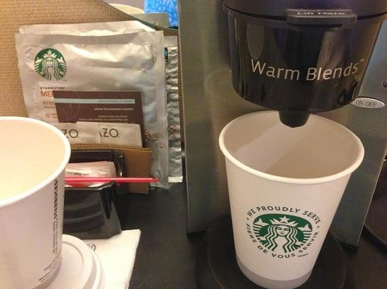 Sheraton Laval Hotel : Free Starbucks in the room