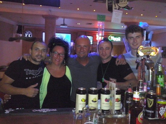 Lazaros Hotel Apartments: Dennis and the gang are great made my partner s birthday special