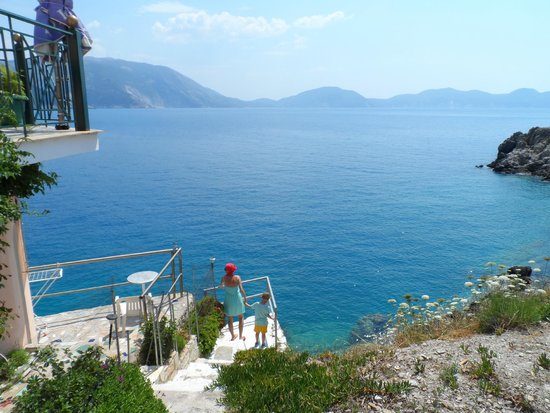 Cephalonia Palace Hotel: Take a car and see most beautiful beaches