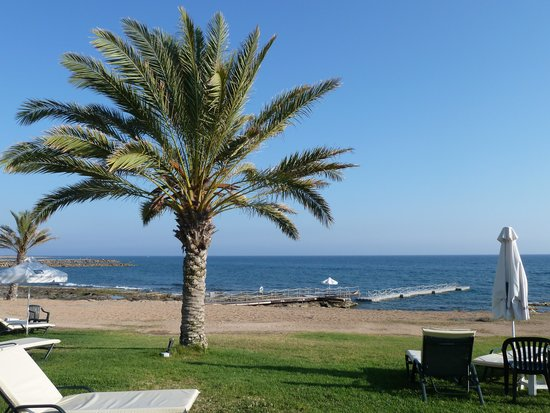 Constantinou Bros Athena Royal Beach Hotel: Chilled In Paphos
