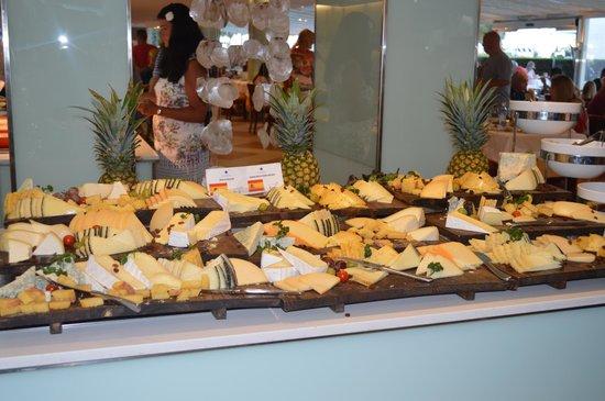 IBEROSTAR Alcudia Park: Cheese anyone??