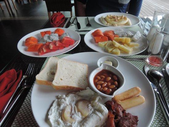 Kupu Kupu Phangan Beach Villas and Spa by l'Occitane : delicious breakfast