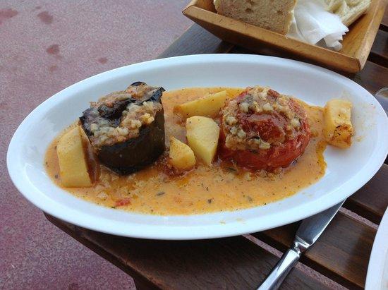 Yazz Beach Bar Restaurant : Stuffed eggplant and tomato