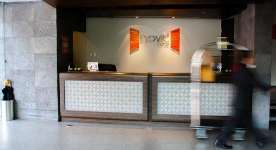 Hotel Novit: Front Desk