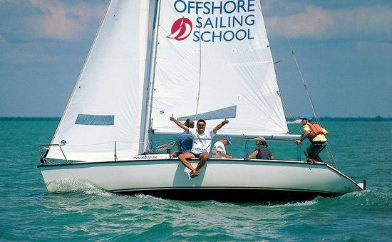 ‪Offshore Sailing School‬