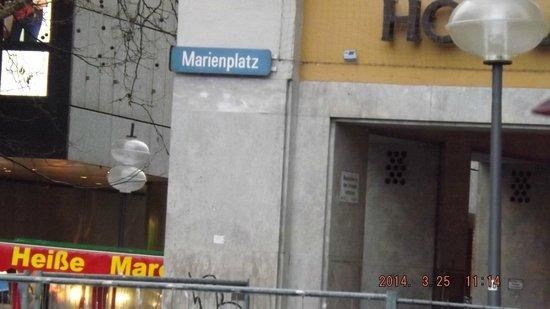 Marienplatz: Larry's Pictures