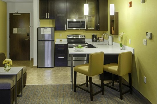 Residence Inn Pullman : Each guest room comes with a full equipped, modern kitchen