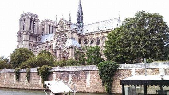 Ile de la Cite: Notre Dame from the Seine