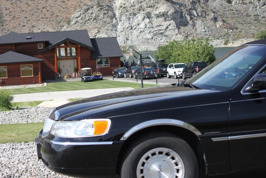 Lakeside Limousine Tours