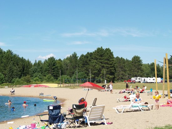 Hi-Pines Campground: Beach