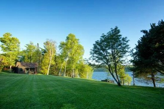 Loon Lodge Inn & Restaurant: Lakeside at Loon Lodge Inn