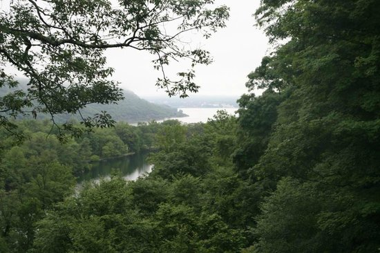 Bear Mountain Inn's Overlook Lodge: View to Hessian Lake and Hudson River
