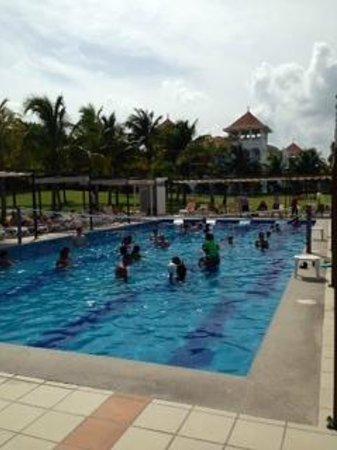 Hotel Riu Palace Mexico: Pool