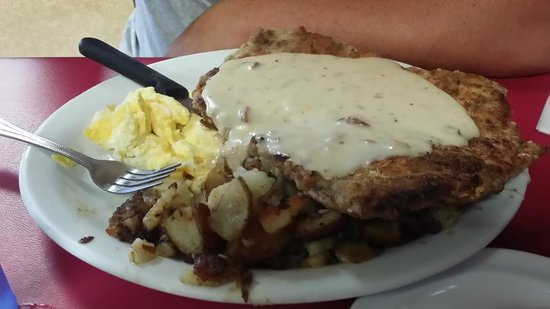 Hoovers: Chicken Fried Steak and Gravy - Flavorful