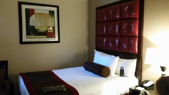 Hotel Belleclaire : bedroom with 2 doubles