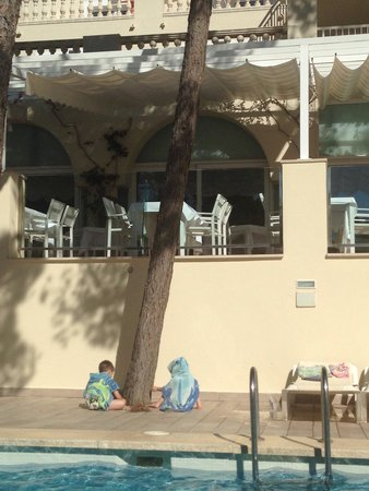 IBEROSTAR Club Cala Barca: Top pool & Mediterranean restaurant