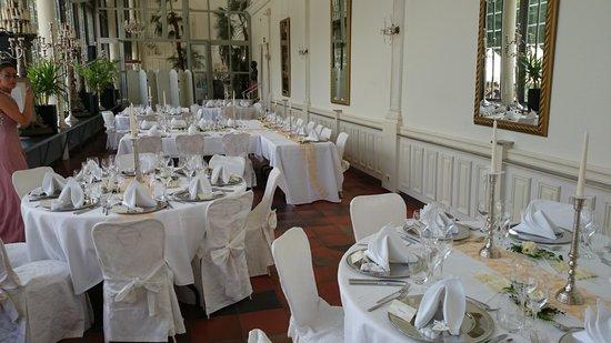 Schlosscafe im Palmenhaus: Tische für die Hochzeitsgesellschaft