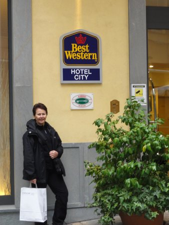 Best Western Plus City Hotel: Frente do hotel.