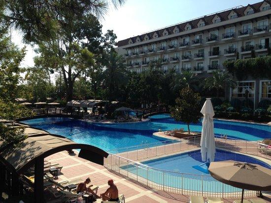 Alkoclar Exclusive Kemer: Zwembad