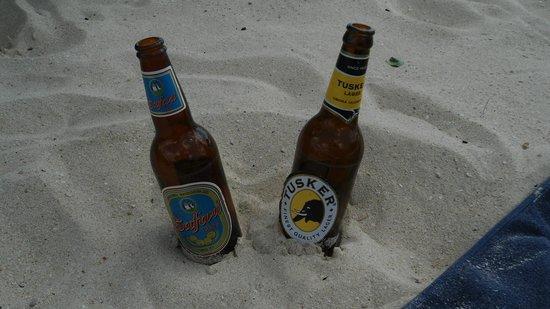Bongoyo Island: Ahhh the beer!