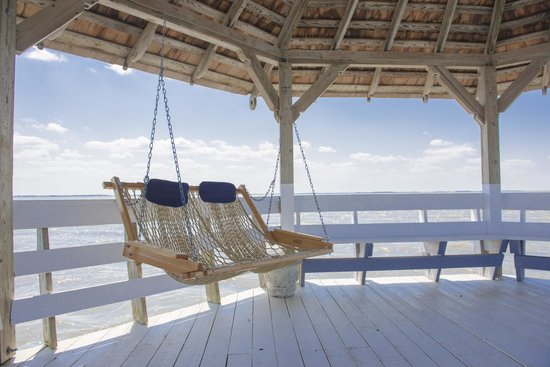Inn at Corolla Light: Best Hammock swing chairs ever!