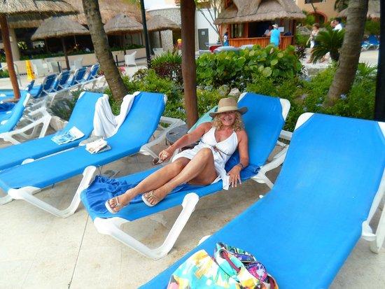 Sandos Playacar Beach Resort : descansando en la reposera