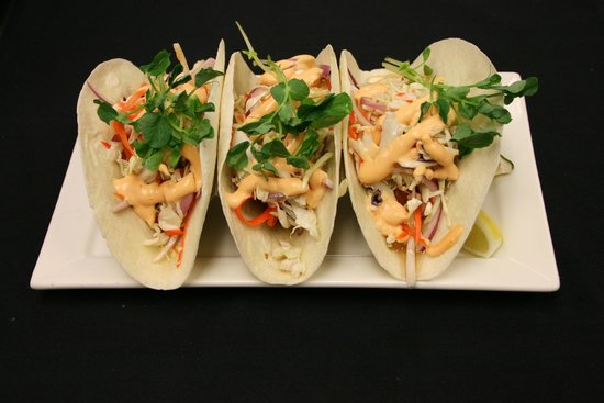 Ric's Lounge and Grill: Fish Tacos