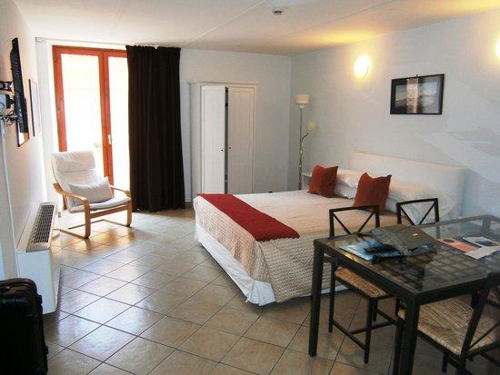 Hotel Rivoli Sorrento: Main bed room