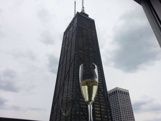 Four Seasons Hotel Chicago: Thank you for the chilled champagne  upon our arrival!