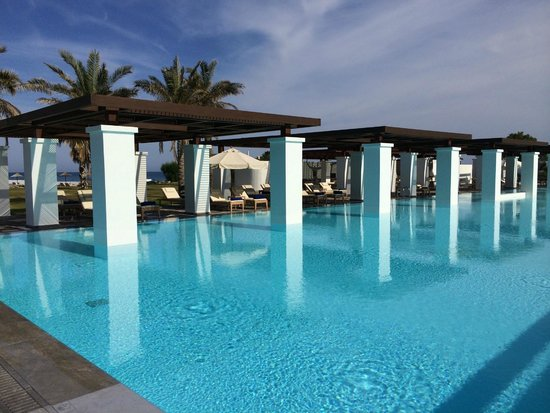 Amirandes, Grecotel Exclusive Resort: the olympic swimming pool with respect for historic architecture
