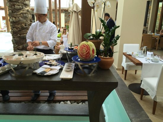 Amirandes, Grecotel Exclusive Resort: breakfast and dinner are always a pleasure