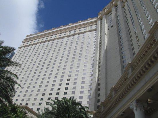 Monte Carlo Resort & Casino : The hotel