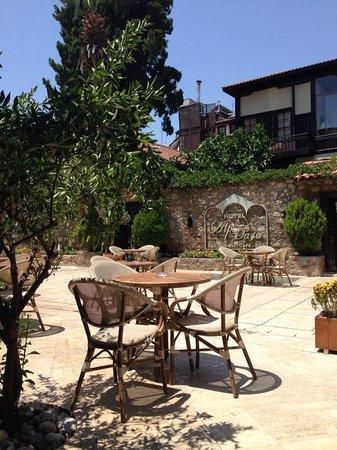 Alp Pasa Hotel: Die Terrasse