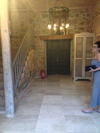 Alp Pasa Hotel: Eines der Eingänge zu den wunderschönen Zimmern