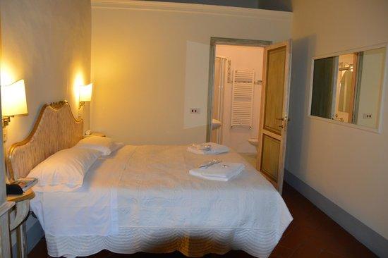 Burchianti: Chambre sans fenêtre mais très spacieuse