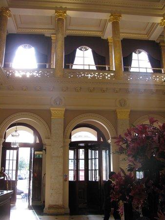 The Grosvenor Hotel: Entrance from street