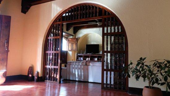 Hotel Flor de Sarta: TV Lounge area