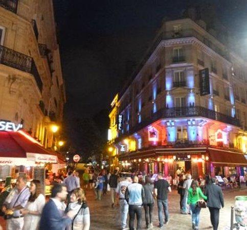 Hotel Europe Saint Severin: Hotel at Night