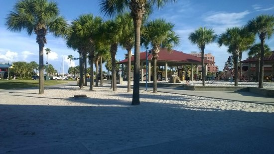 Gulf Beach Inn: Just a two minute walk from the hotel