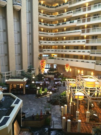 Embassy Suites by Hilton LAX North : Foyer