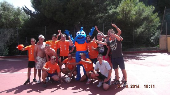 Mar Hotels Paradise Club & Spa: Guests and staff weekly footy match !!
