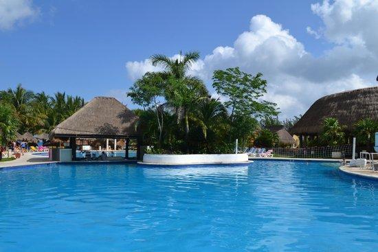 Iberostar Cozumel: Swim up bar