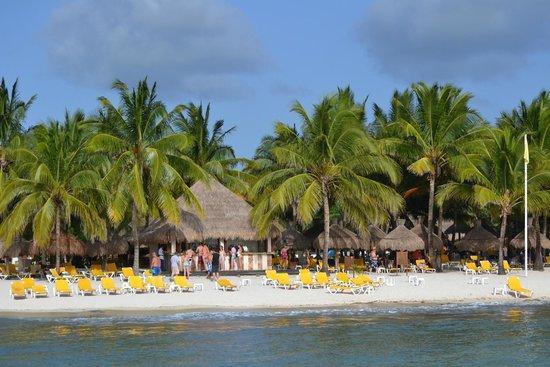 Iberostar Cozumel: View from pier of beach bar