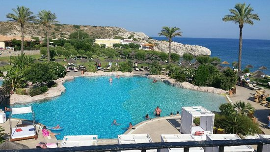 Atlantica Imperial Resort & Spa: Free-form swimming pool