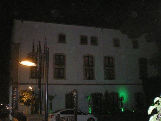 Tutav Adalya Hotel: Außenansicht