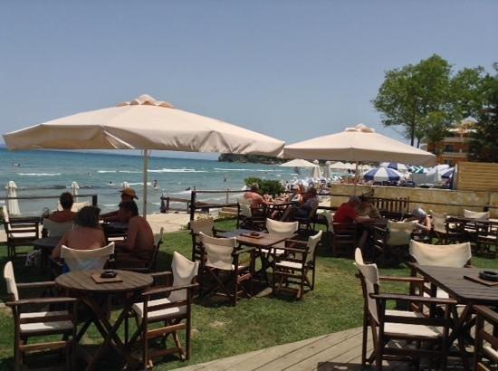 Boomerang Beach Bar : another view from boomerang bar