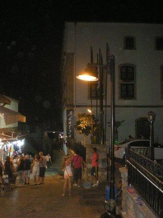 Tutav Adalya Hotel: Außenansicht Eingang